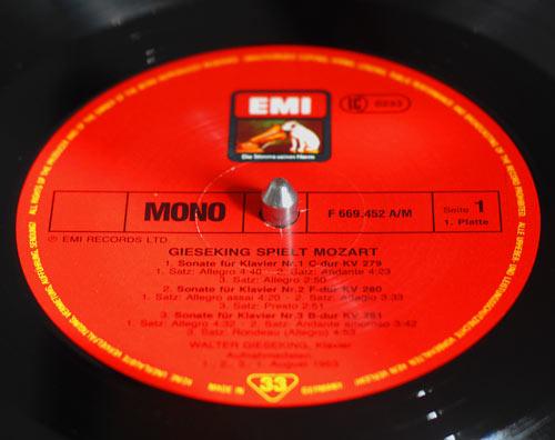 Mono_Label