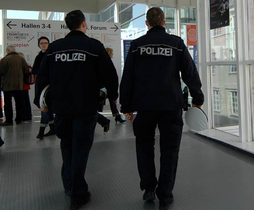 BM09_Polizei