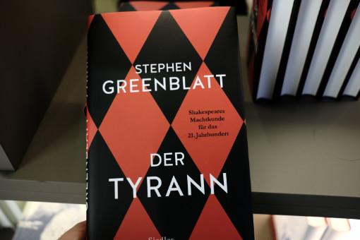 FBM18_0004b_GreenblattTyrann